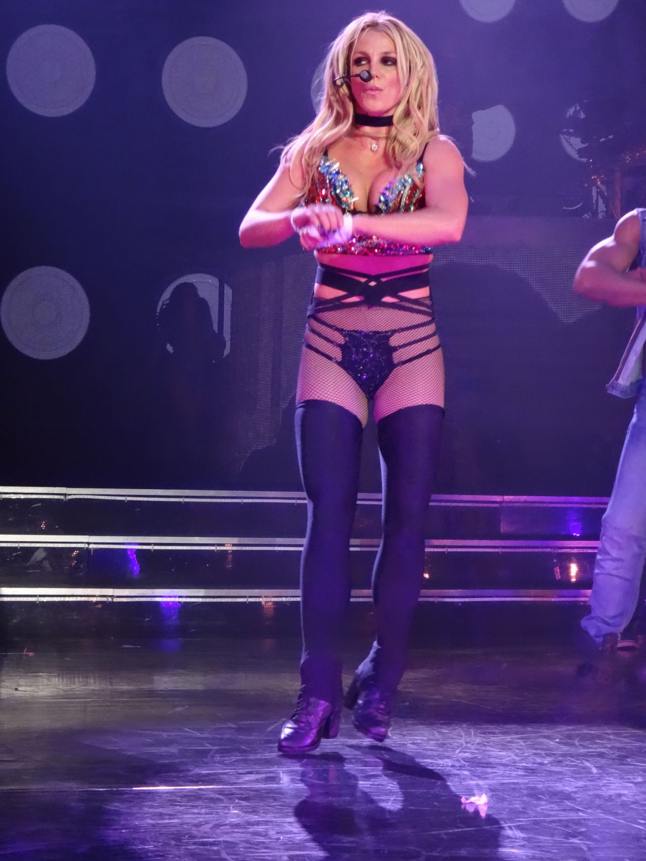 Britney Spears Performs at the AXIS at Planet Hollywood in ... Britney Spears