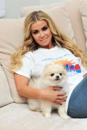 Carmen Electra - Playing With Her Dog Rocky