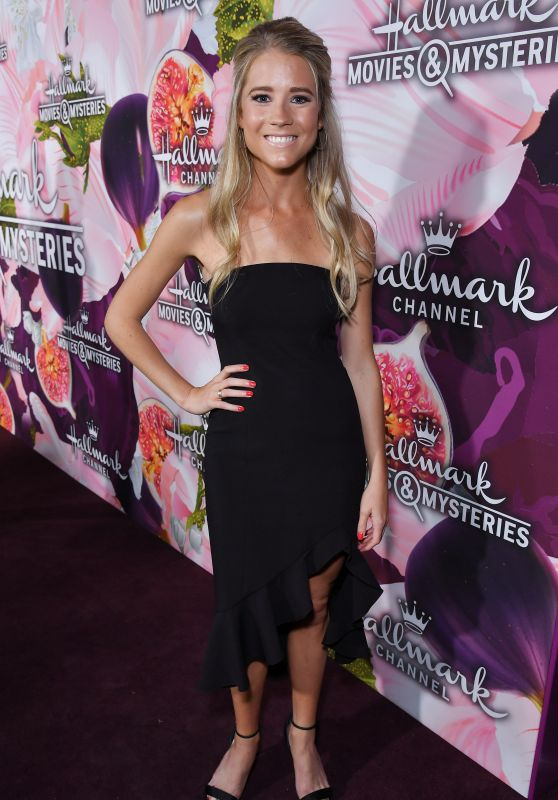 Cassidy Erin Gifford – Hallmark Channel All-Star Party at the TCA Winter Press Tour in LA