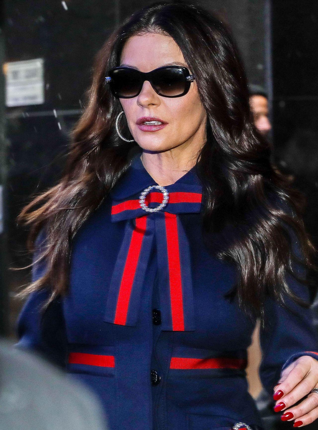 Catherine Zeta-Jones Arriving Home in NYC Catherine Zeta Jones