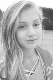 Chloe Ewing – Social Media, January 2018