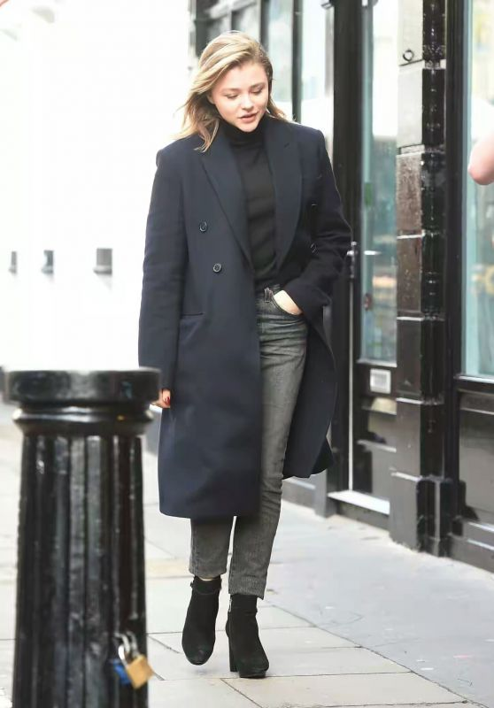 Chloe Moretz Street Fashion - Out in Notting Hill 01/10/2018