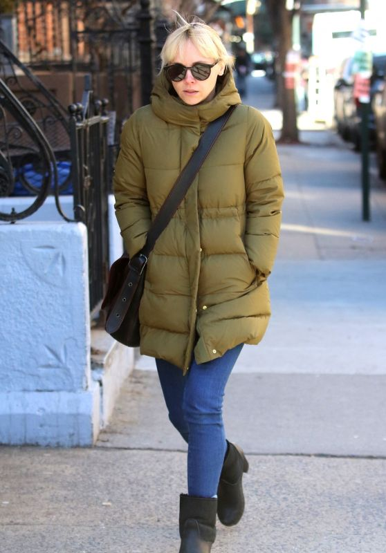 Christina Ricci Winter Street Style - New York City 01/26/2018