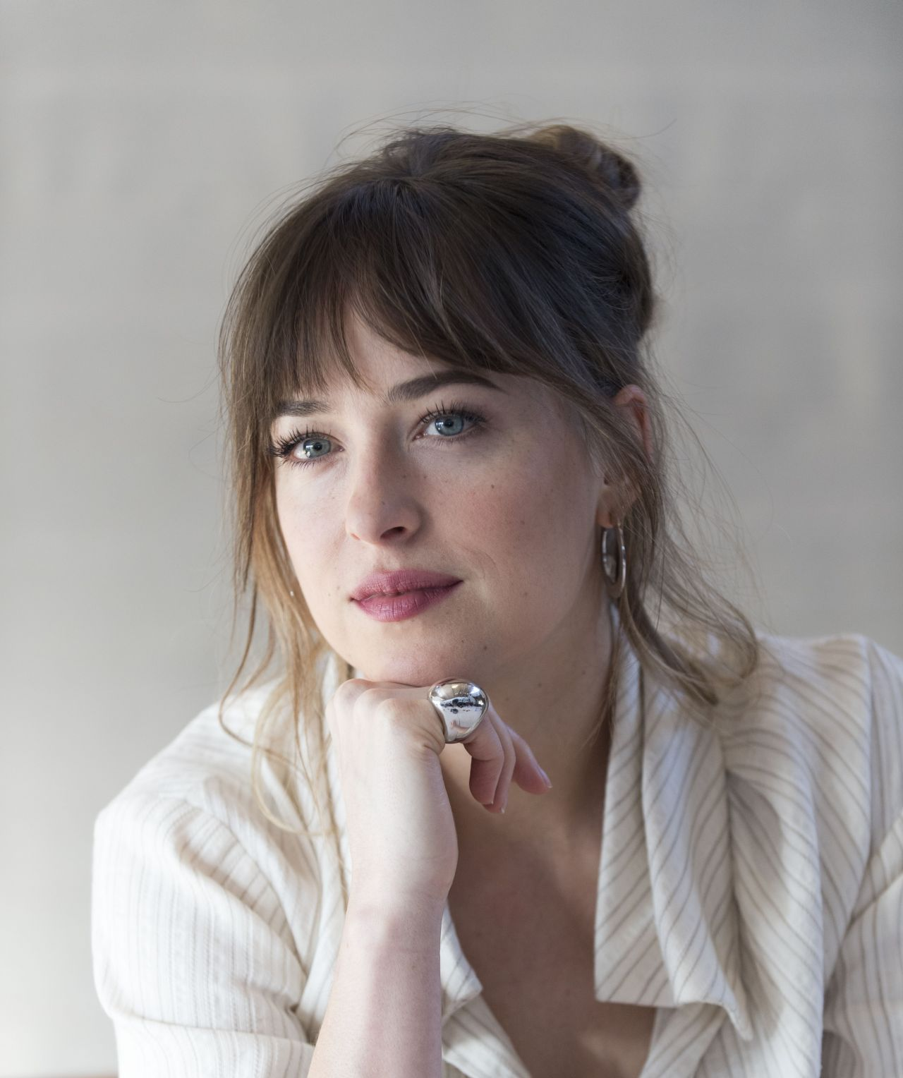http://celebmafia.com/wp-content/uploads/2018/01/dakota-johnson-fifty-shades-freed-press-conference-in-los-angeles-8.jpg