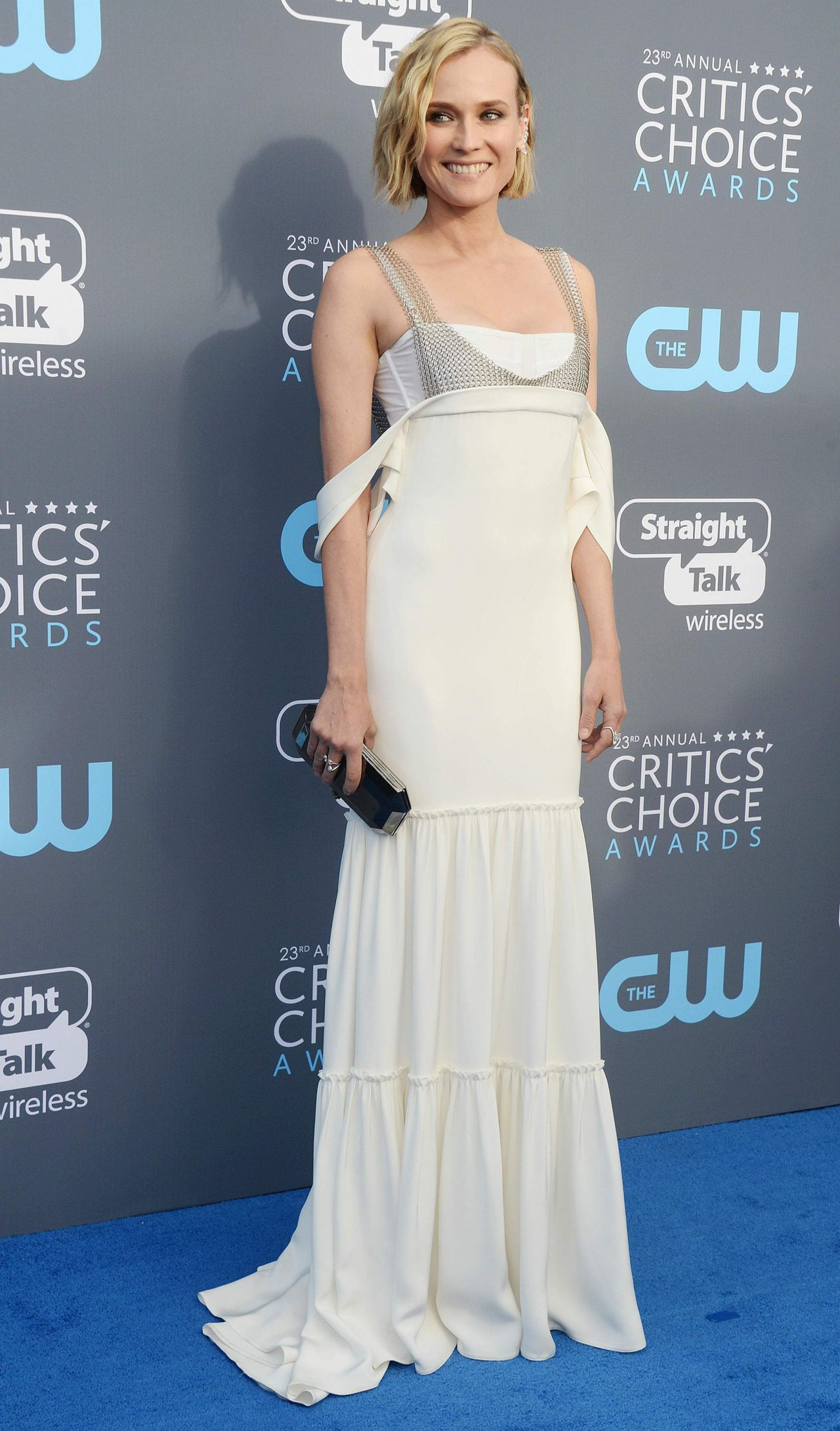 http://celebmafia.com/wp-content/uploads/2018/01/diane-kruger-2018-critics-choice-awards-3.jpg