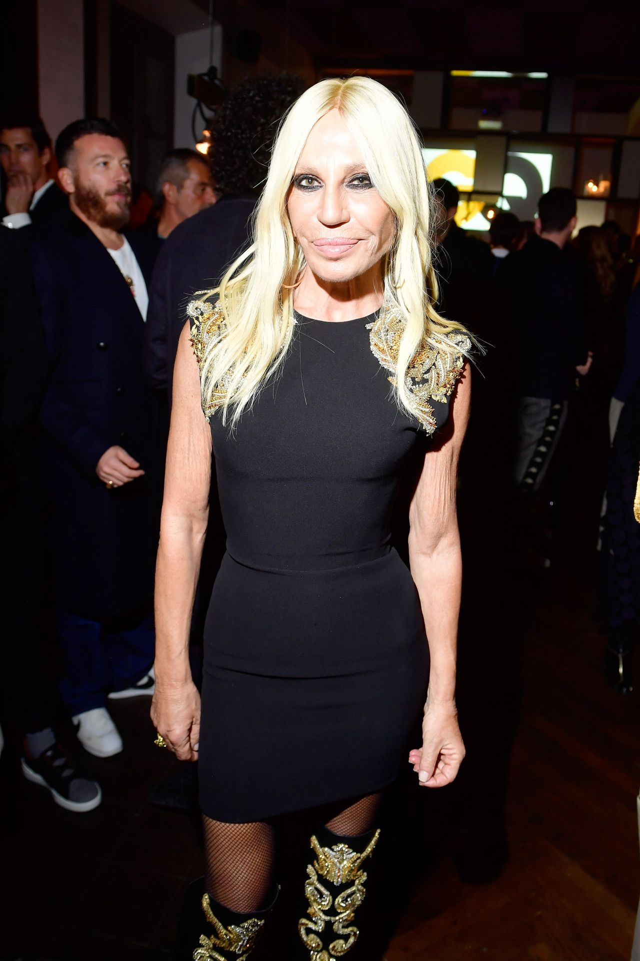 Donatella Versace Gq Milan Cocktail Party In Milan 01 13