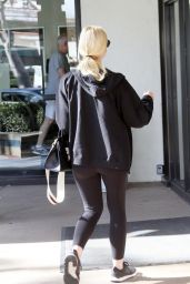 Elle Fanning Arriving at the Gym in Los Angeles