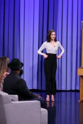 "Gal Gadot - Plays ""Charades"" on The Tonight Show Starring Jimmy Fallon"