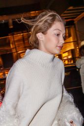 Gigi Hadid - Heading Out to Dinner in New York City