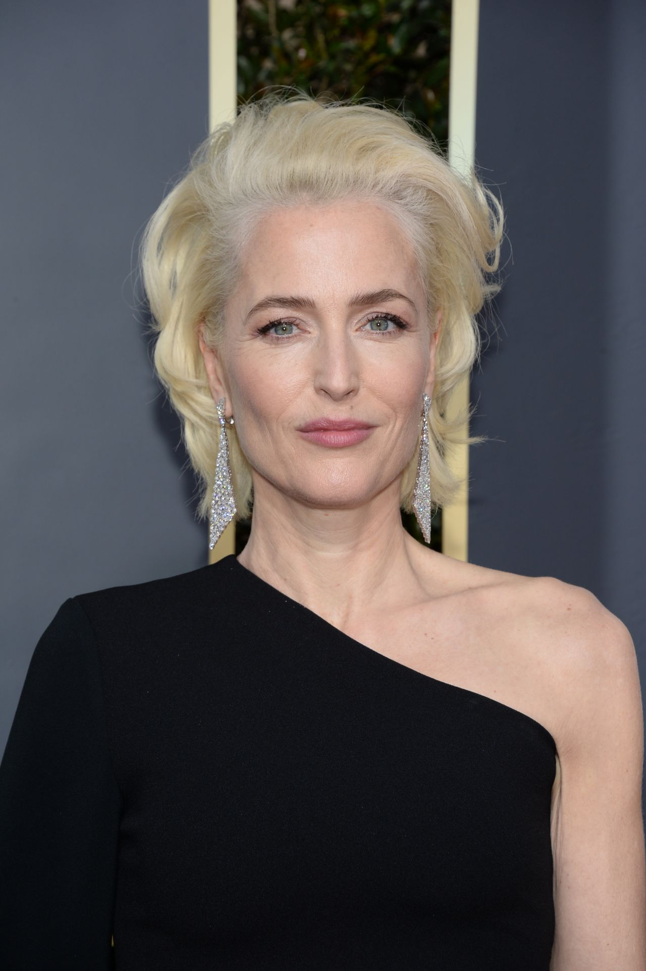 Gillian Anderson Golden Globe Awards 2018