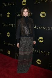 "Gina Gershon - ""The Alienist"" Premiere in New York City"