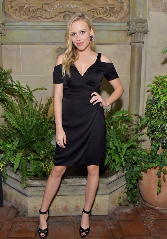 "Gracie Dzienny - Vanity Fair And Focus Features Celebrate The Film ""Phantom Thread"" in LA"