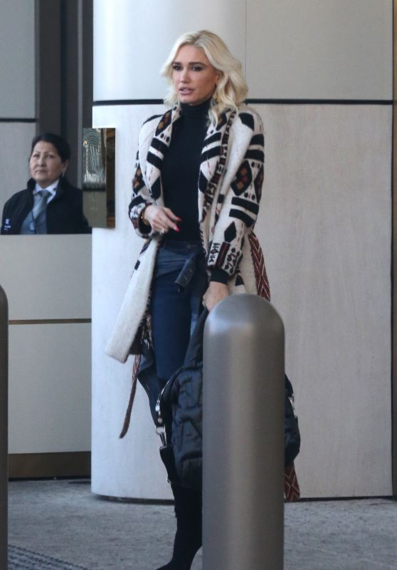 Gwen Stefani at Waldorf Astoria Hotel in Beverly Hills