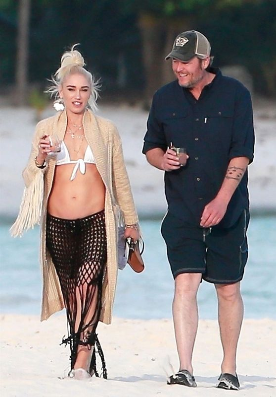 Gwen Stefani With Luke Bryan in Playa del Carmen