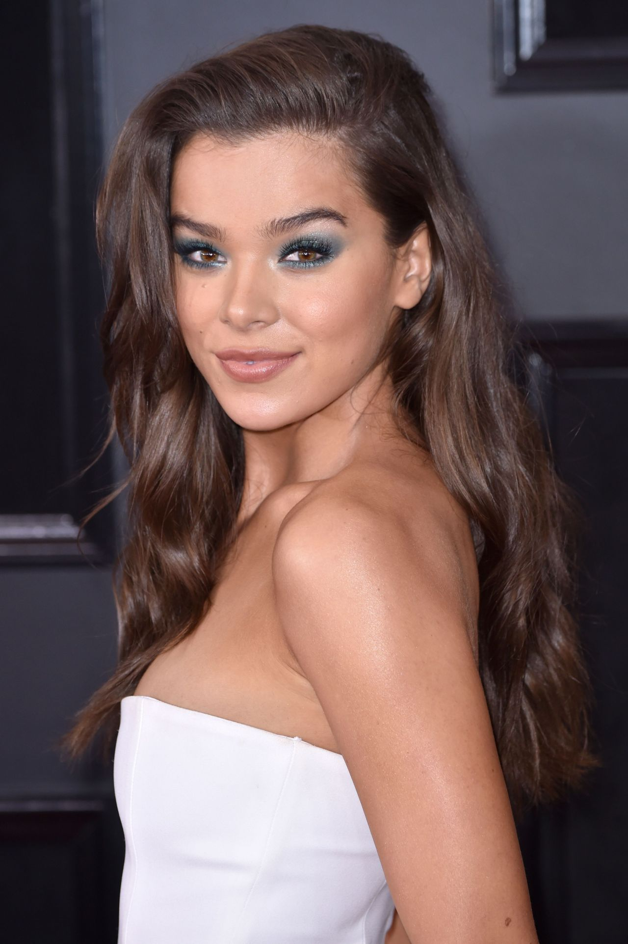 Hailee Steinfeld 2018 Grammy Awards In New York