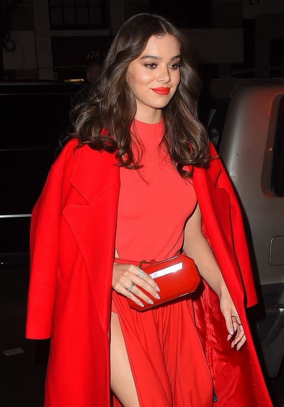 Hailee Steinfeld Night Out Style - at Carbone in New York City