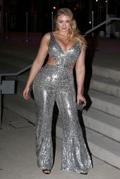 Iskra Lawrence - Arrives to the 2018 Grammy