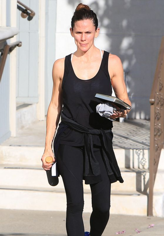 Jennifer Garner Goes to the Gym in Brentwood 01/13/2018