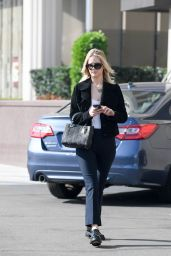 Jennifer Lawrence - Leaves an Office Building in LA