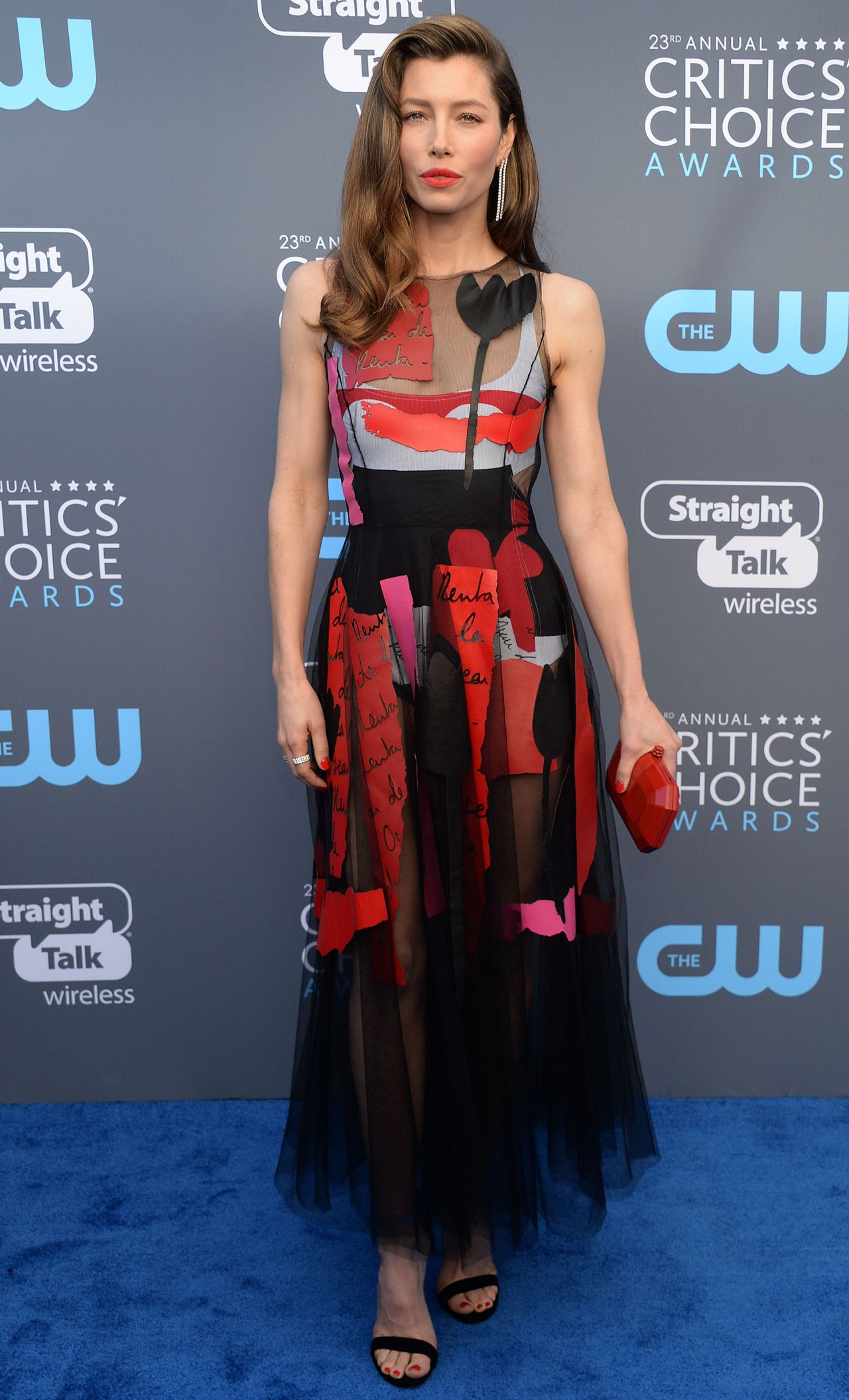http://celebmafia.com/wp-content/uploads/2018/01/jessica-biel-2018-critics-choice-awards-12.jpg