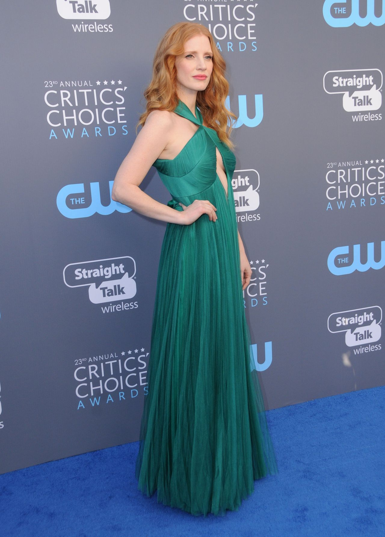 http://celebmafia.com/wp-content/uploads/2018/01/jessica-chastain-2018-critics-choice-awards-4.jpg