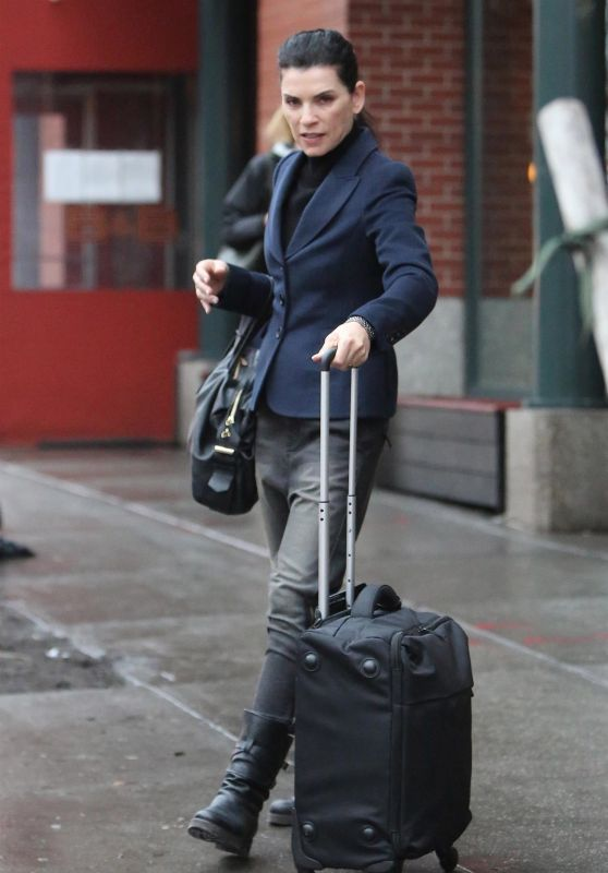 Julianna Margulies and Keith Lieberthal - Leave Their Apartment in New York 01/12/2018