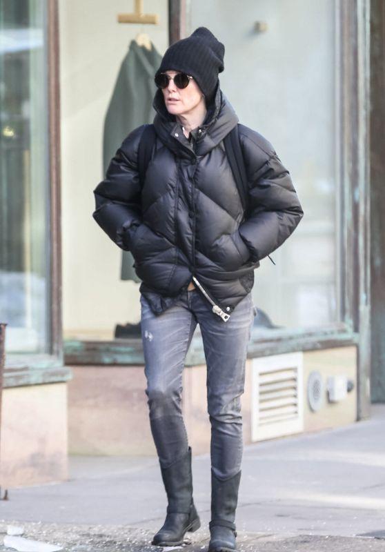 Julianne Moore in WinterOutfit in Noho