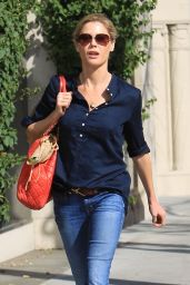 Julie Bowen in Casual Outfit - Beverly Hills 01/18/2018