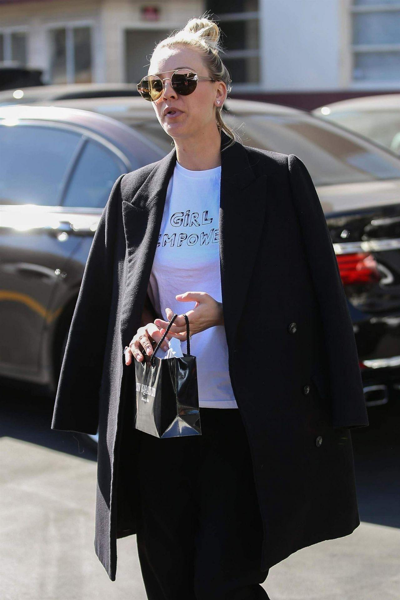 Kaley Cuoco Street Style Los Angeles 01 23 2018