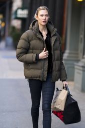 Karlie Kloss Street Style - Out in New York 01/15/2018