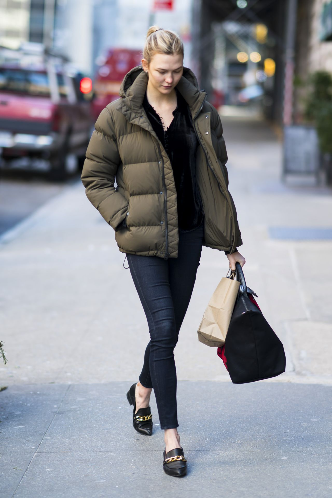 Karlie Kloss Street Style Out In New York 01 15 2018