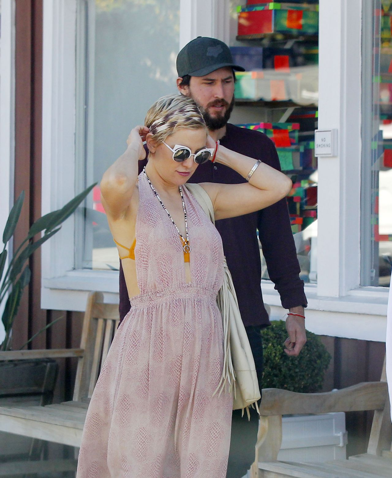 Kate Hudson Goes For Lunch And Shopping With Danny