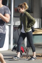Kate Mara - Takes Her Dog to the Hospital in Los Angeles 01/25/2018