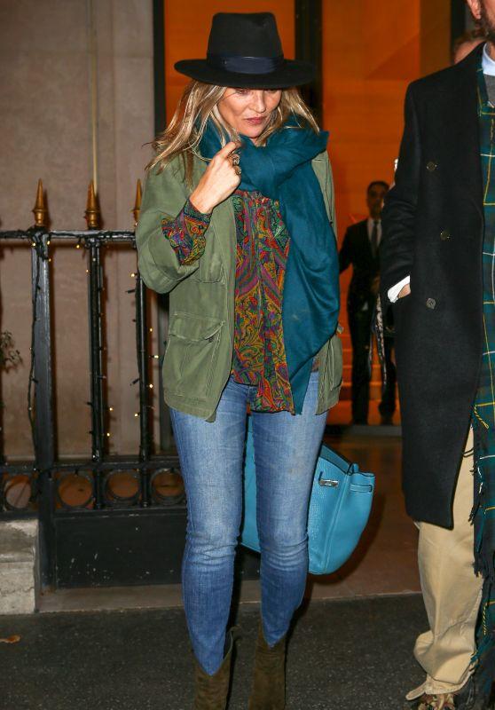 Kate Moss - Shopping at Louis Vuitton in Paris