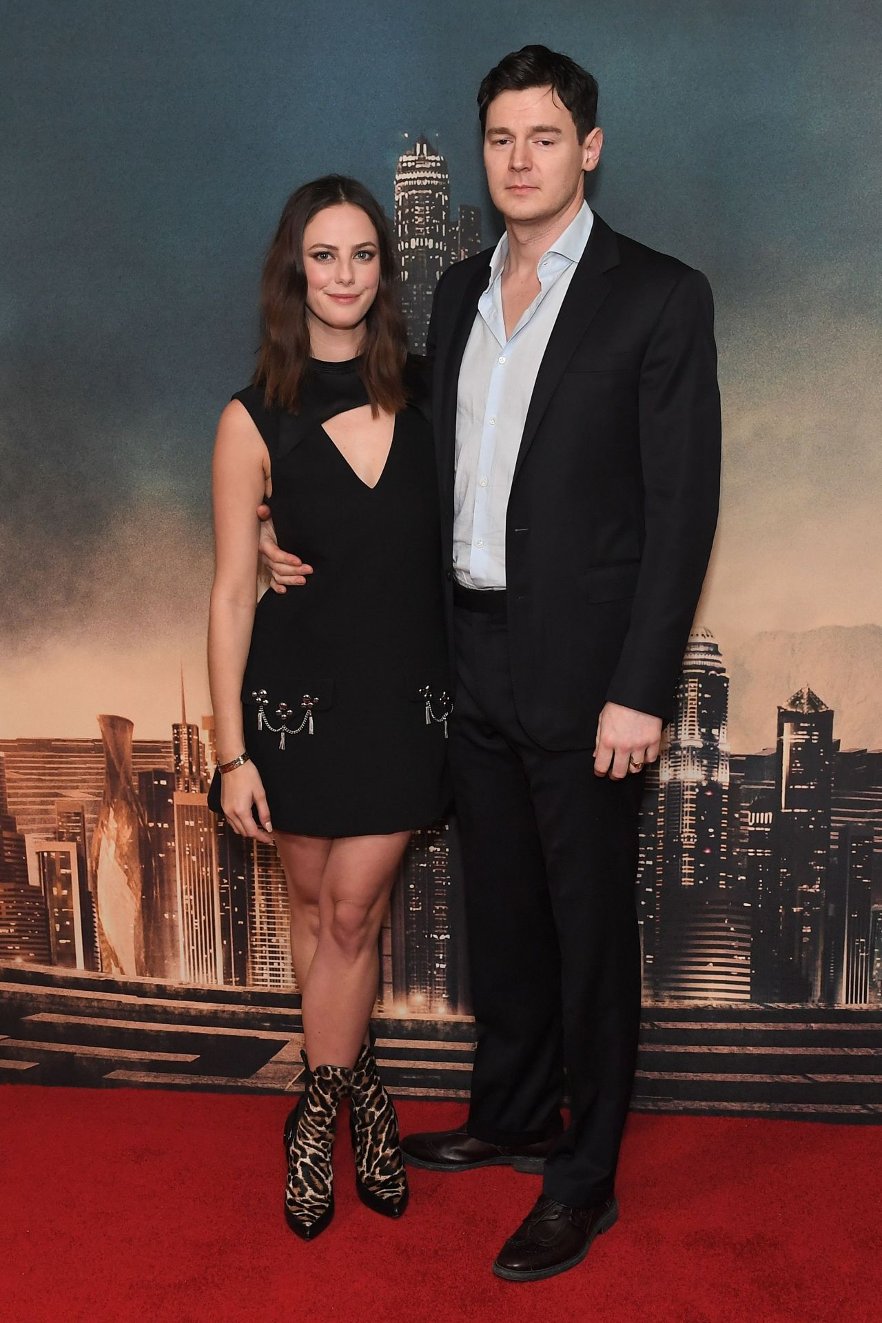 http://celebmafia.com/wp-content/uploads/2018/01/kaya-scodelario-maze-runner-the-death-cure-red-carpet-in-london-5.jpg