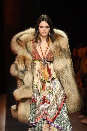Kendall Jenner - Dsquared2 Fashion Show in Milan