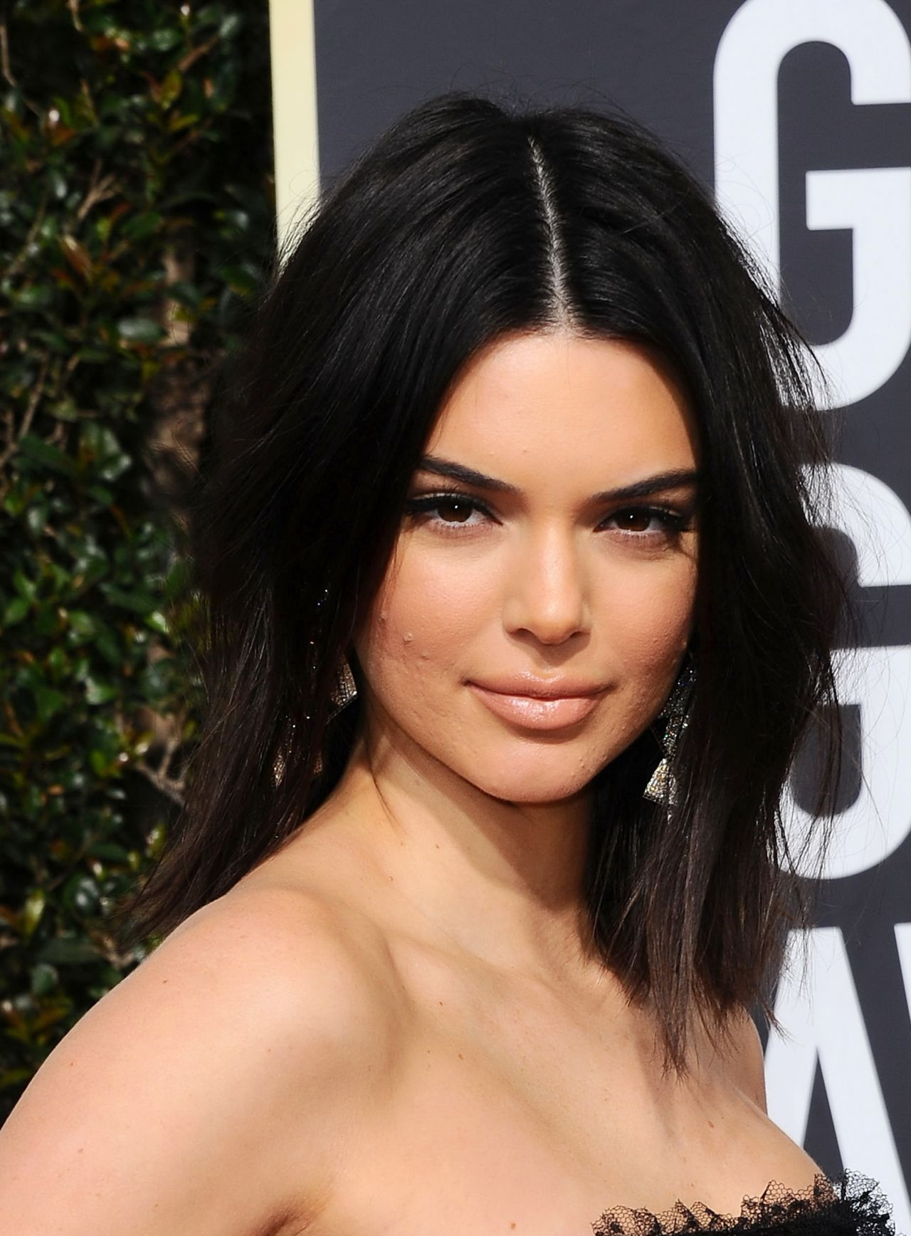 Kendall Jenner Caviar Kaspia Dinner After Pharmacy Stop: Golden Globe Awards 2018
