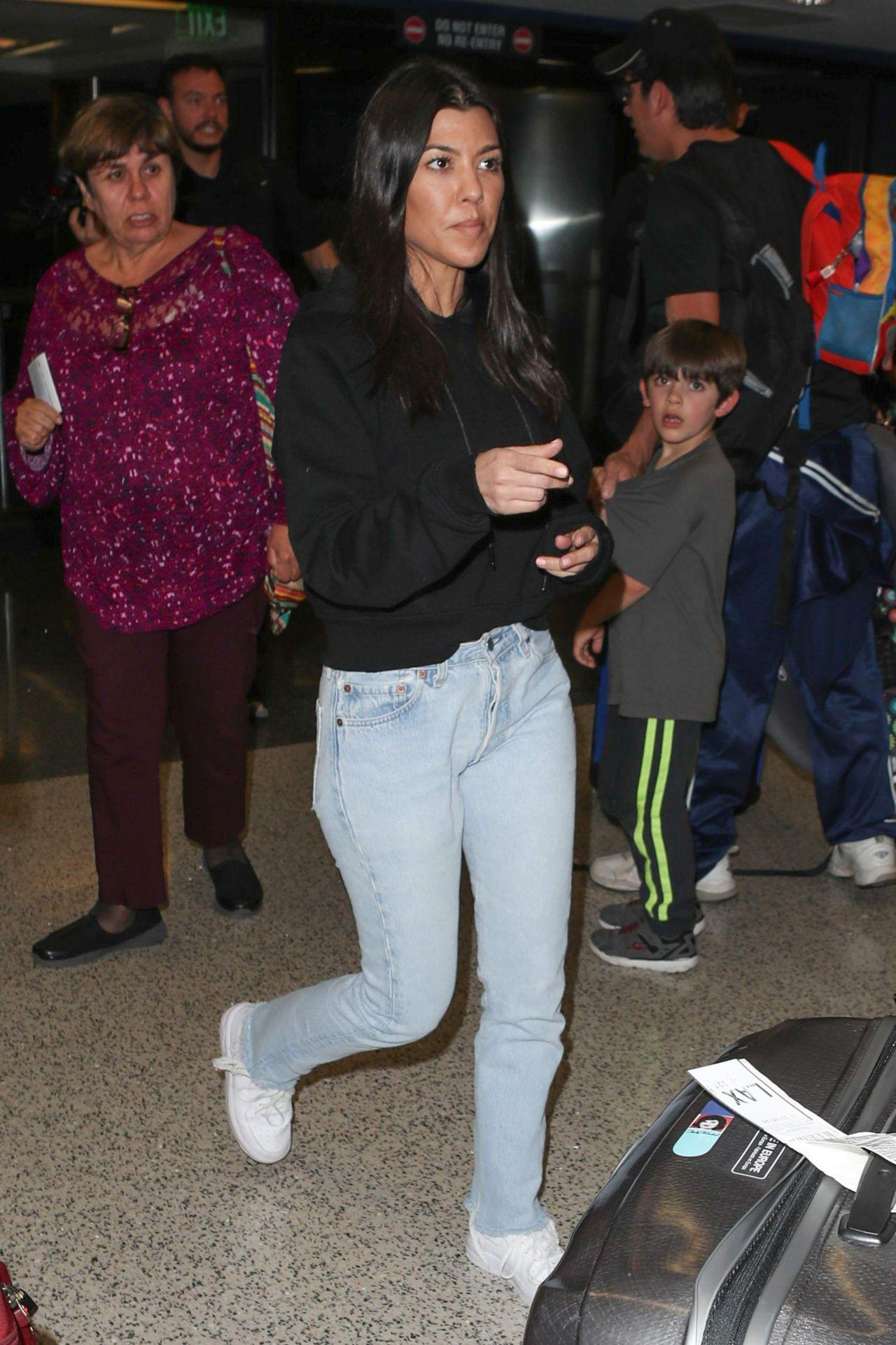 kourtney kardashian at lax airport in la 01232018