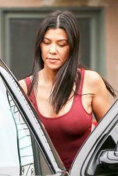 Kourtney Kardashian - Having lunch in Sherman Oak