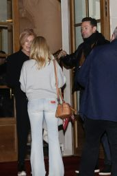 Kylie Minogue - Outside Hotel in Paris 01/16/2018