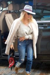 Kylie Minogue Street Style - Out in London 01/15/2018