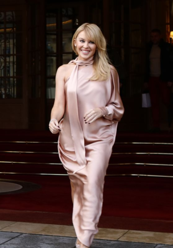 Kylie Minogue Style - Leaving the Ritz Hotel in Paris