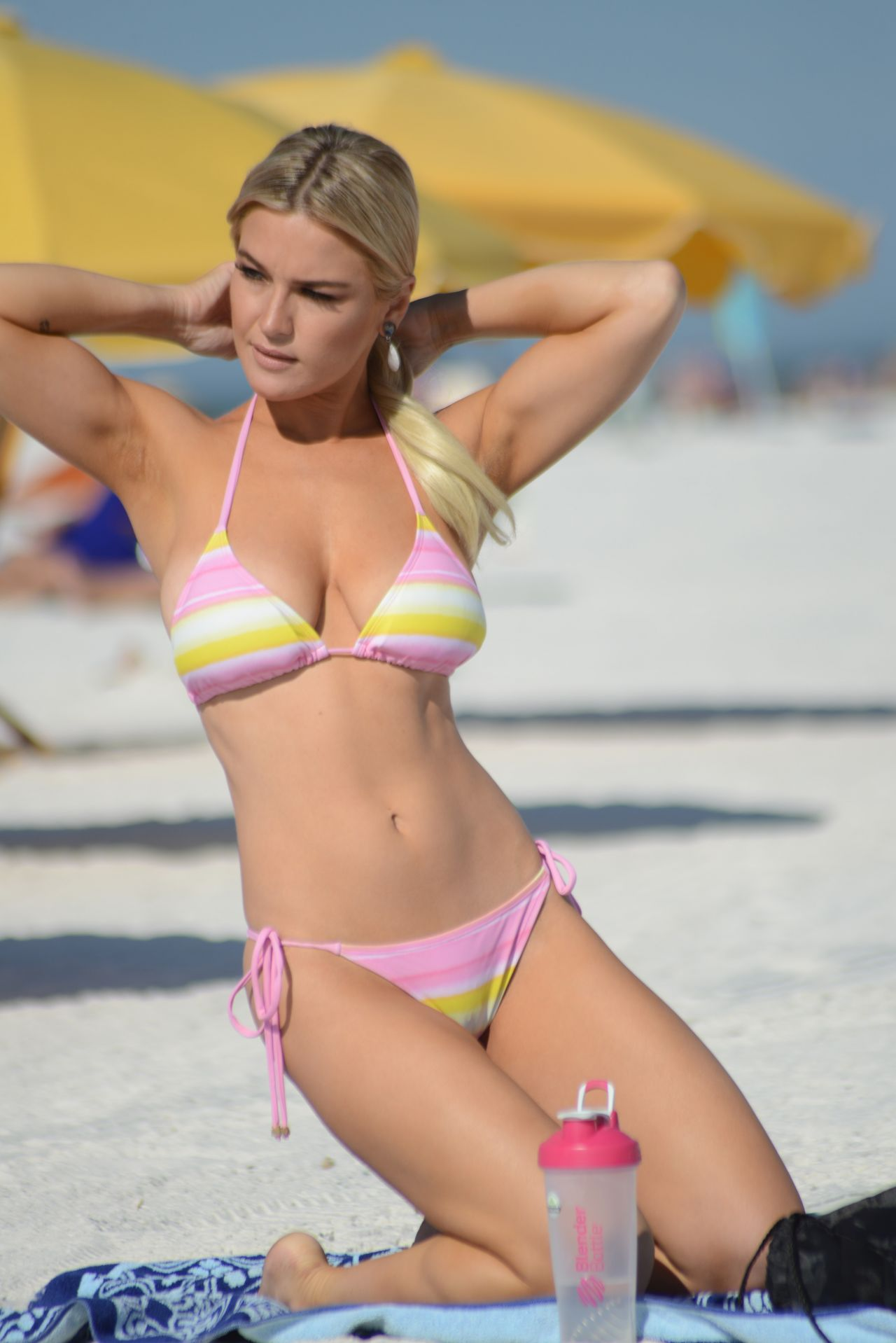 Lauren Hubbard in Bikini on the beach in Miami Pic 8 of 35