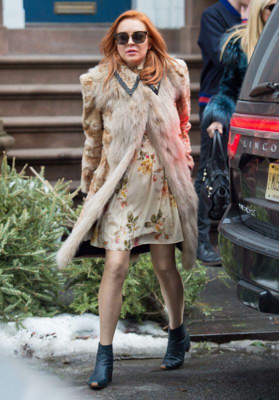 Lindsay Lohan - Celebrates Her Grandmother