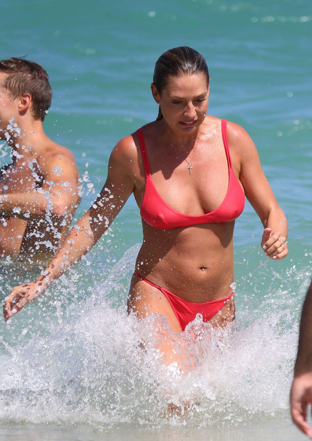 Lisa Clarke in Black Bikini at Tamarama Beach in Sydney Pic 25 of 35
