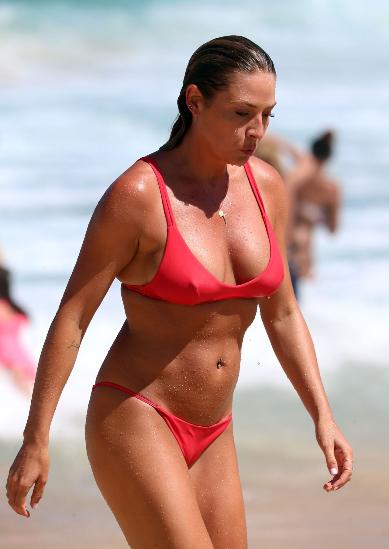 Montana Cox in Black Bikini at Tamarama beach in Sydney Pic 13 of 35