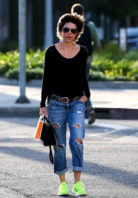 Lisa Rinna Street Style - West Hollywood 01/17/2018