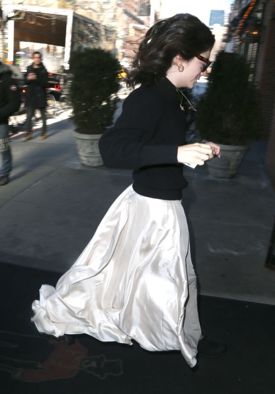 Lorde - Out in New York City 01/24/2018