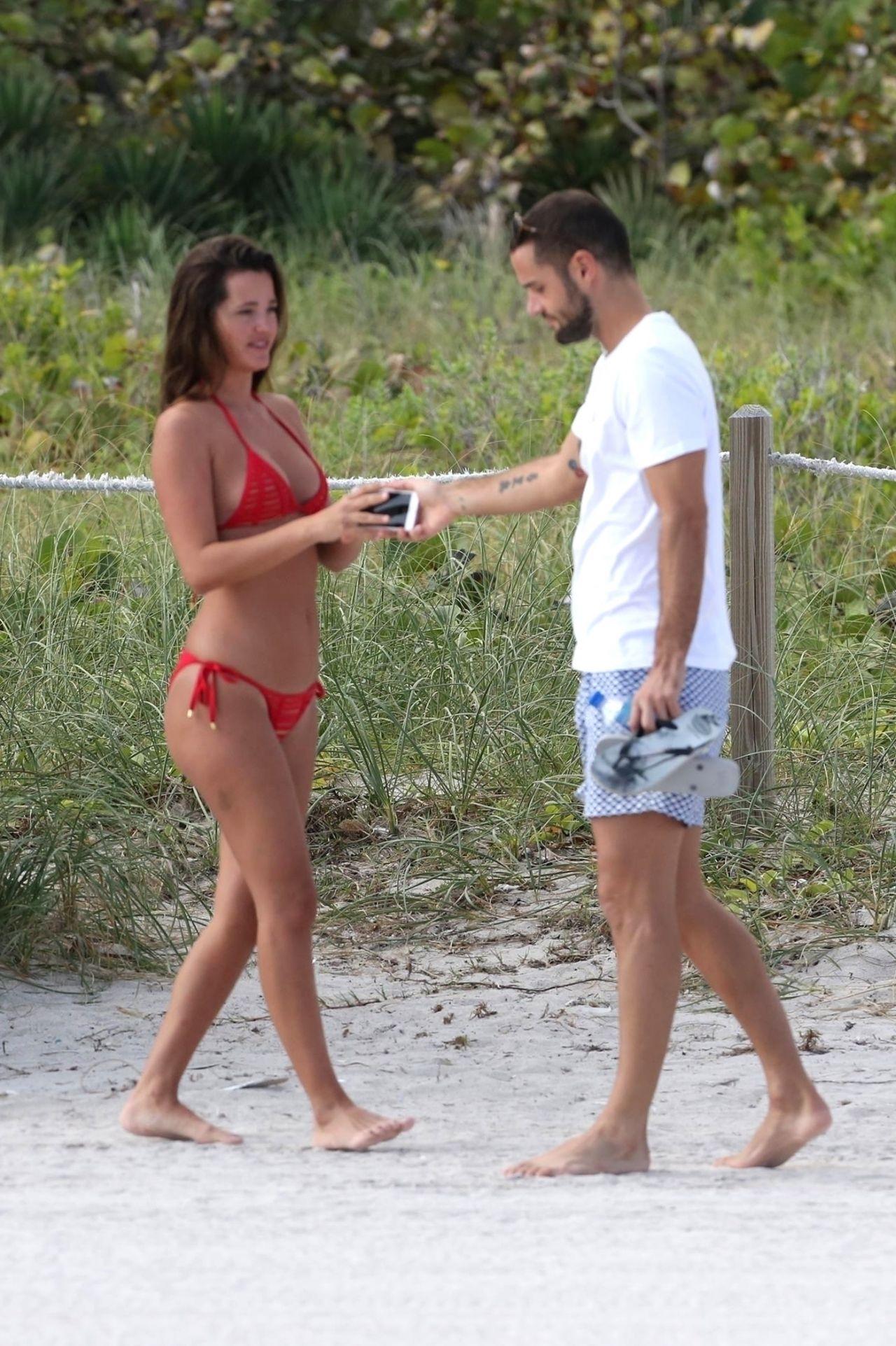 Malena Costa in Bikini - Beach - 366.2KB