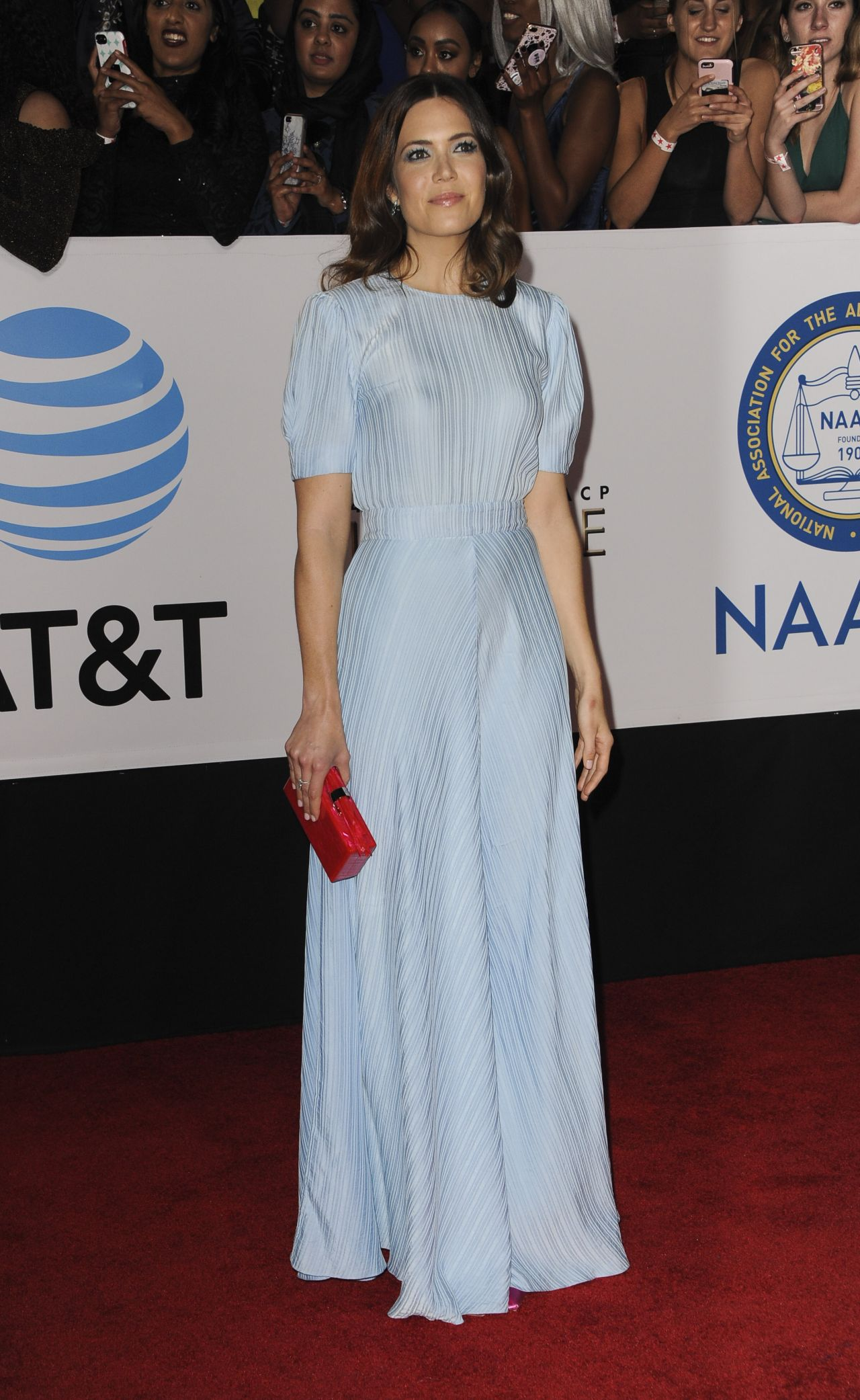 http://celebmafia.com/wp-content/uploads/2018/01/mandy-moore-2018-naacp-image-awards-in-pasadena-4.jpg